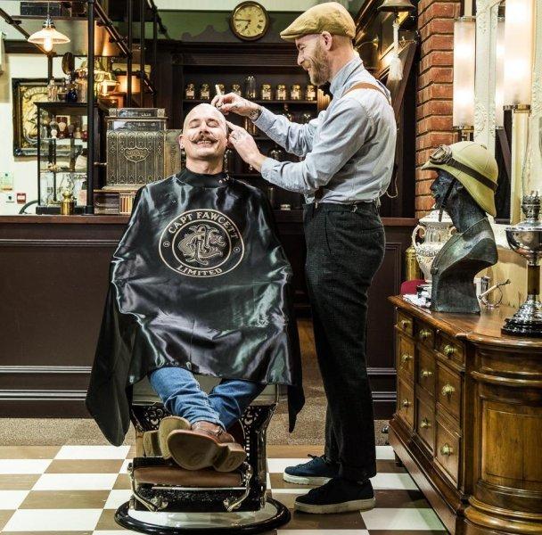 luxury-barber-cape-captain-fawcett