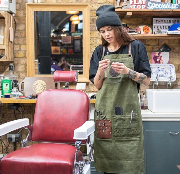 apron-for-barber-of-waxed-cotton